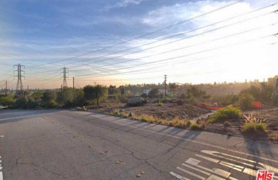 2810 Eaton Canyon Dr Pasadena, CA 91107