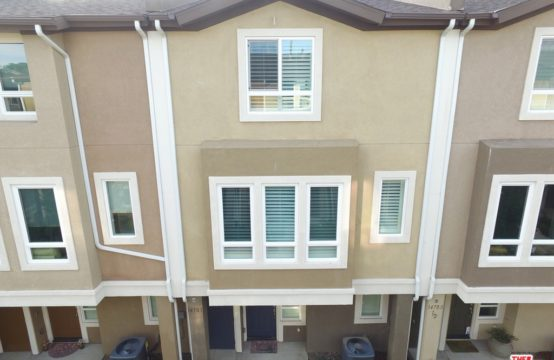 14703 Sherman Way Van Nuys, CA 91405