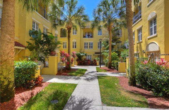 613 Casabella Cir Tampa, FL 33609